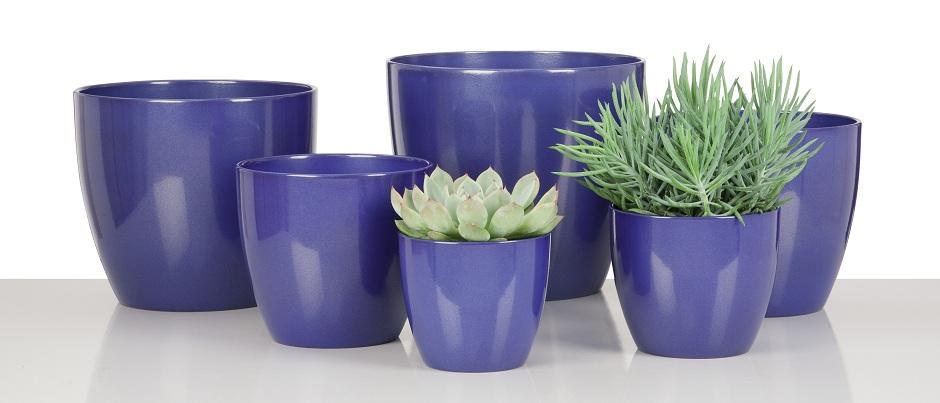 Blaue Keramiktöpfe